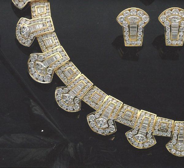 Collar y pendientes de diamantes